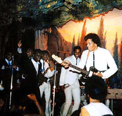 Jimi & The Isley Brothers au Hejazz Grotto Hall a New Haven (Connecticut), juillet 1965